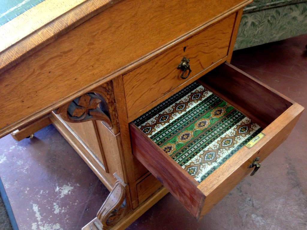 correspondence-desk-4